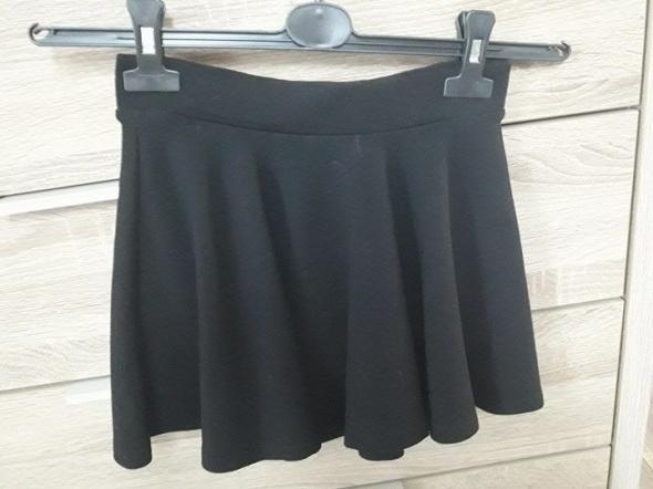 Spódnice Bershka 34 XS spódniczka kloszowana czarna mini