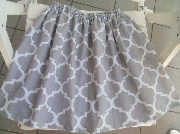 Spódnice spódnica M