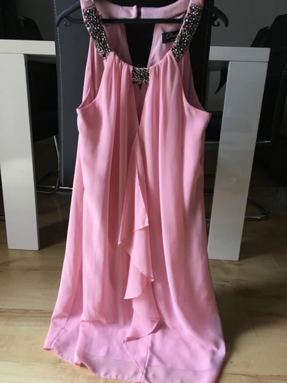 Elegancka sukienka c&a