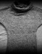 Wełniany sweter z golfem Top Secret...