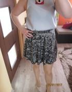 Aztecka rozkloszowana spódnica New Look...