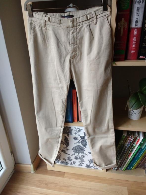 Spodnie chinosy eleganckie cygaretki beżowe piaskowe Bershka no...
