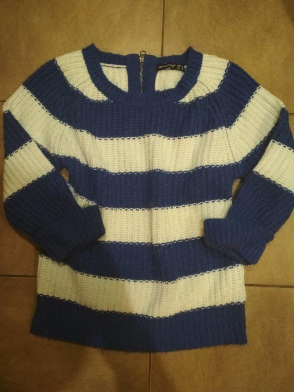 Sweterek athmos w paseczki...