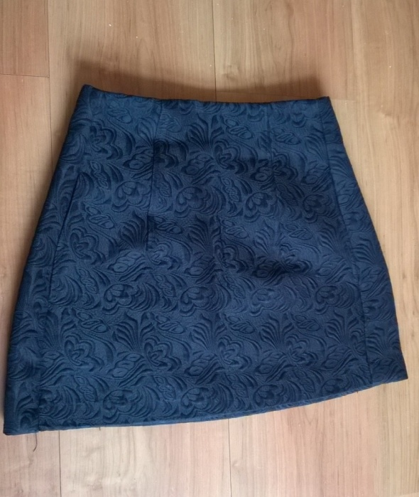 Spódnice Mini czarna Forever21 tłoczone wzory spódniczka
