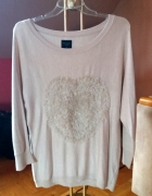 cienki beżowy sweterek z aplikacją na przodzie Reserved...