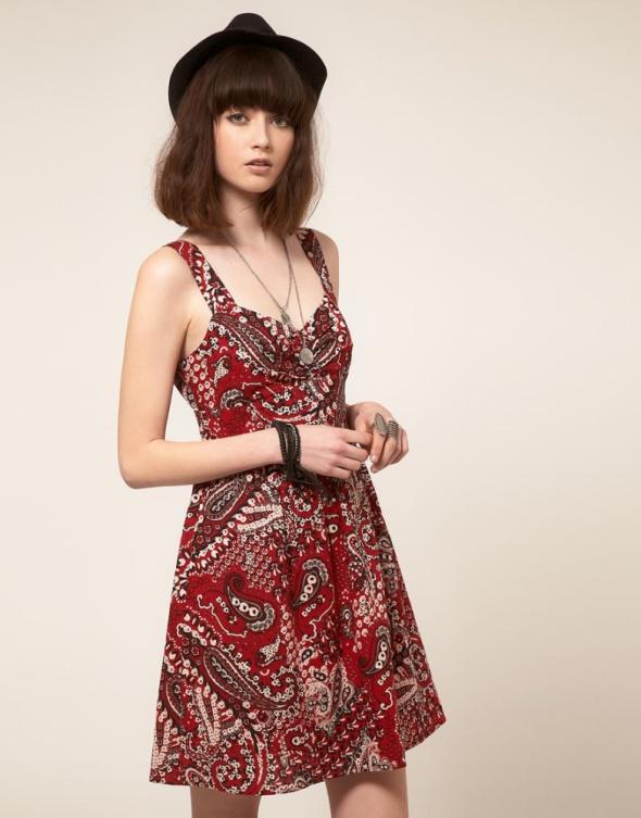c7b3c25c1 Suknie i sukienki BAND OF GYPSIES czerwona sukienka z nadrukiem paisley  bandana