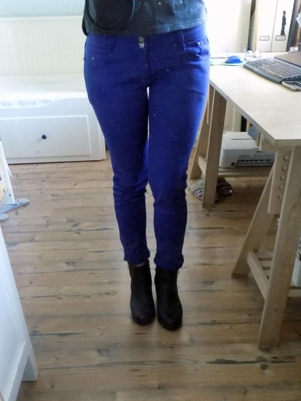 Spodnie niebiesko granatowe M dopasowane...
