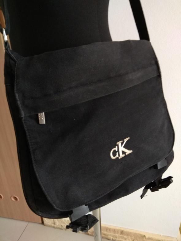 6d9b433111d49 Torba czarna Calvin Klein CK w Torebki na co dzień - Szafa.pl