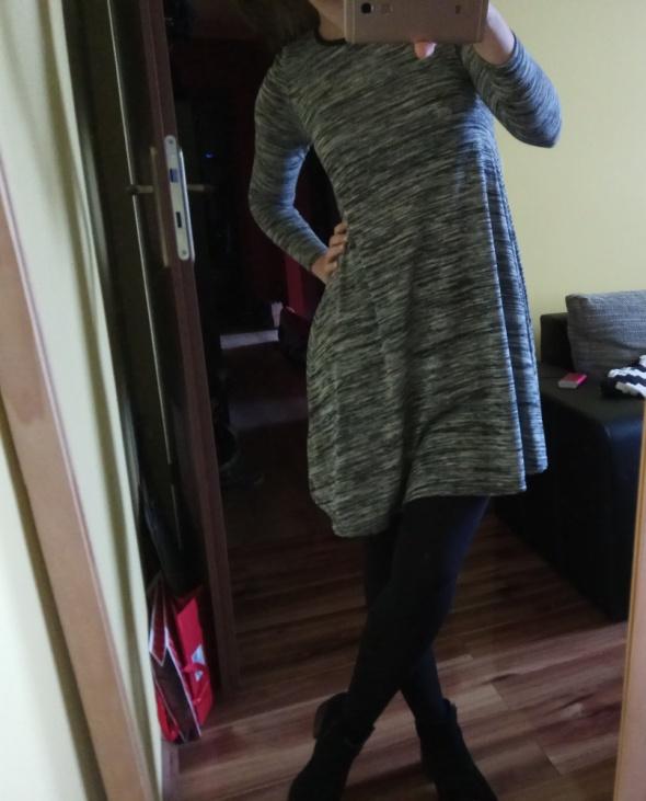 Szara sukienka trapezowa New Look XS