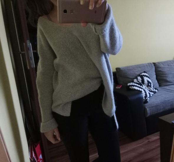 szary sweter blogerski moher wełna asymetryczny oversize M
