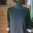 czarna krótka bluza białe paski i siateczka na rekawach