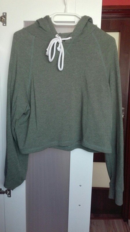 Krótka bluza z kapturem khaki hm w Bluzy Szafa.pl