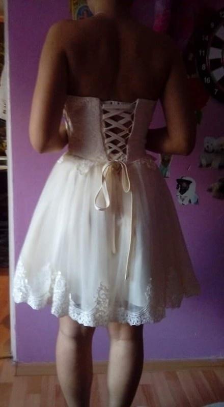 Sukienka carachel gorsetowa