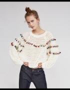 Zara sweter pompony...