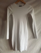 Biała obcisła sukienka prązkowana XS