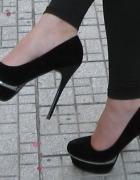 Czarne szpilki na platformie