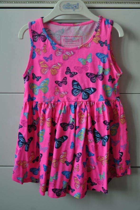 Śliczna sukienka w motylki...