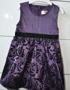 Śliczna sukienka dla małej damy...