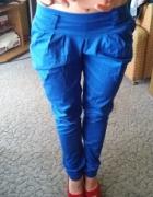 Kobaltowe spodnie z kokardą