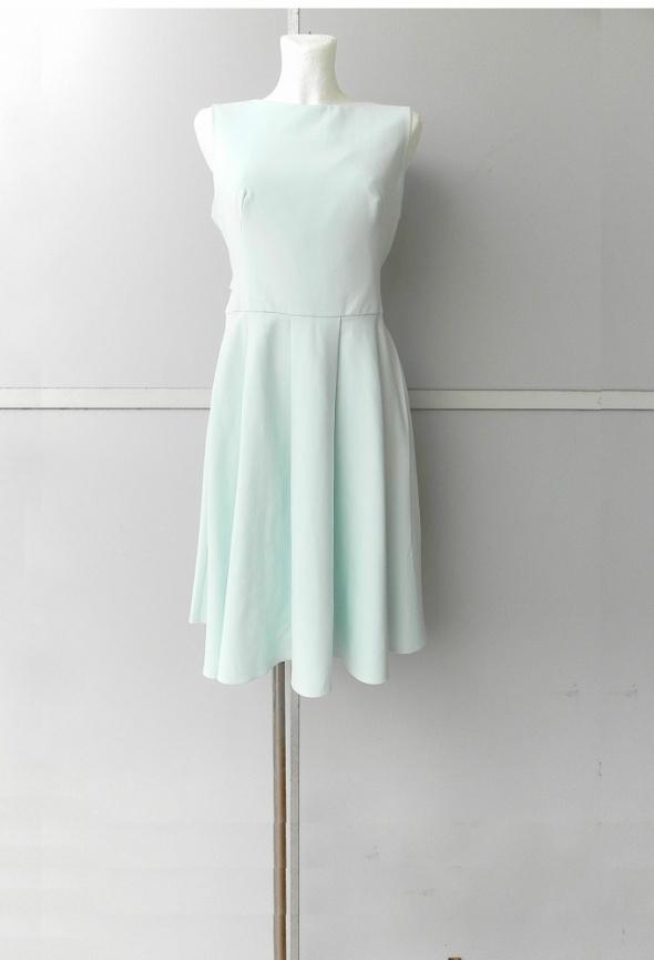 fbe43105c1 Suknie i sukienki Mohito miętowa sukienka wesele rozkloszowana koło 40 42