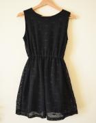 Czarna ażurowana rozkloszowana sukienka rozmiar 36