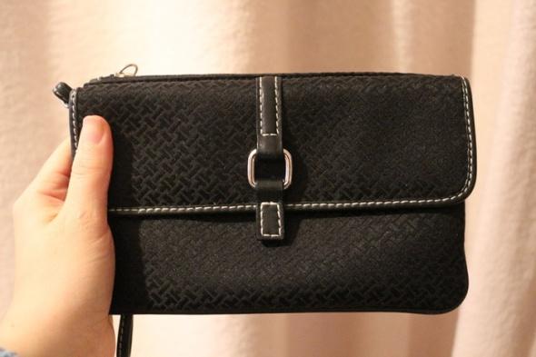mała czarna kopertówka elegancka idealny st