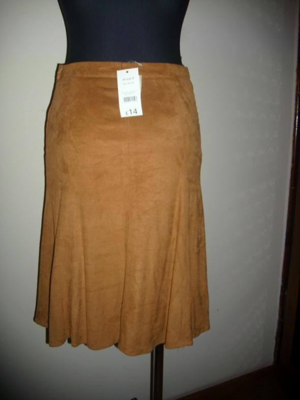 Spódnice Spódniczka kloszowana camel jak zamsz S