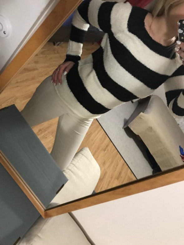 Czarno biały sweterek House S...