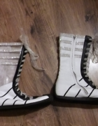 Buty biało czarne sznurowane wstążką