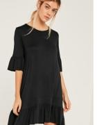 czarna luźna sukienka rozm S
