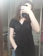 Czarna koszula z wiązaniem w pasie