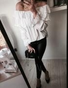 Piękna biała hiszpanka oversize
