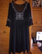 KappAhl śliczna czarna sukienka mgiełka 44