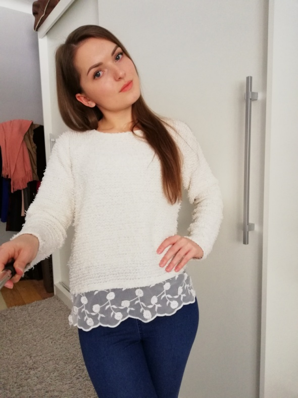 Codzienne Biały sweter z koronką
