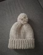 NOWA zimowa czapka z pomponem C&A