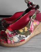 koturny kolorowe sandały