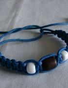 niebieska bransoletka ze sznurka
