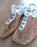 Srebrne japonki sandały z kryształkami 38