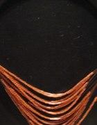 naszyjnik w kolorze miedzianym