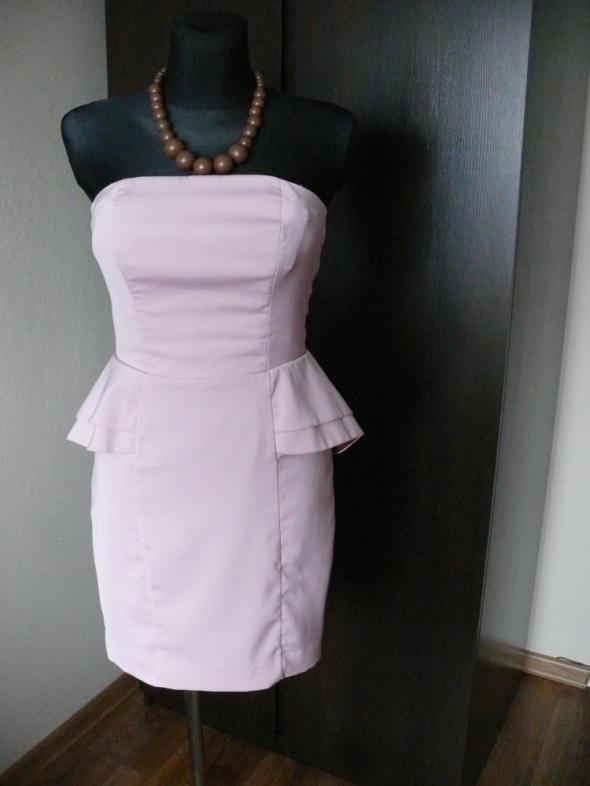 piękna sukienka blady róż baskinka H&M S M mała wa
