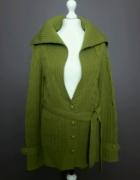 Rozpinany długi zielony sweter wełniany z paskiem RESERVED...
