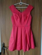 Różowa sukienka...