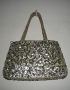 srebrna torebka na imprezę