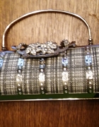 Srebrna torebka wizytowa z łańcuszkiem