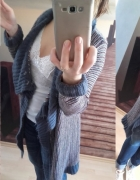 Długi sweter do dżinsów na luzie