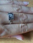 srebrny pierścionek z łezkami