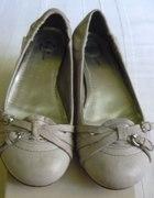Skórzane balerinki Bata 38