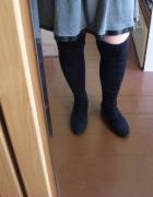 Czarne kozaki muszkieterki za kolano...