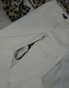 Beżowe spodnie ORSAY 36