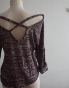 Luźny sweterek z odkrytymi plecami S M
